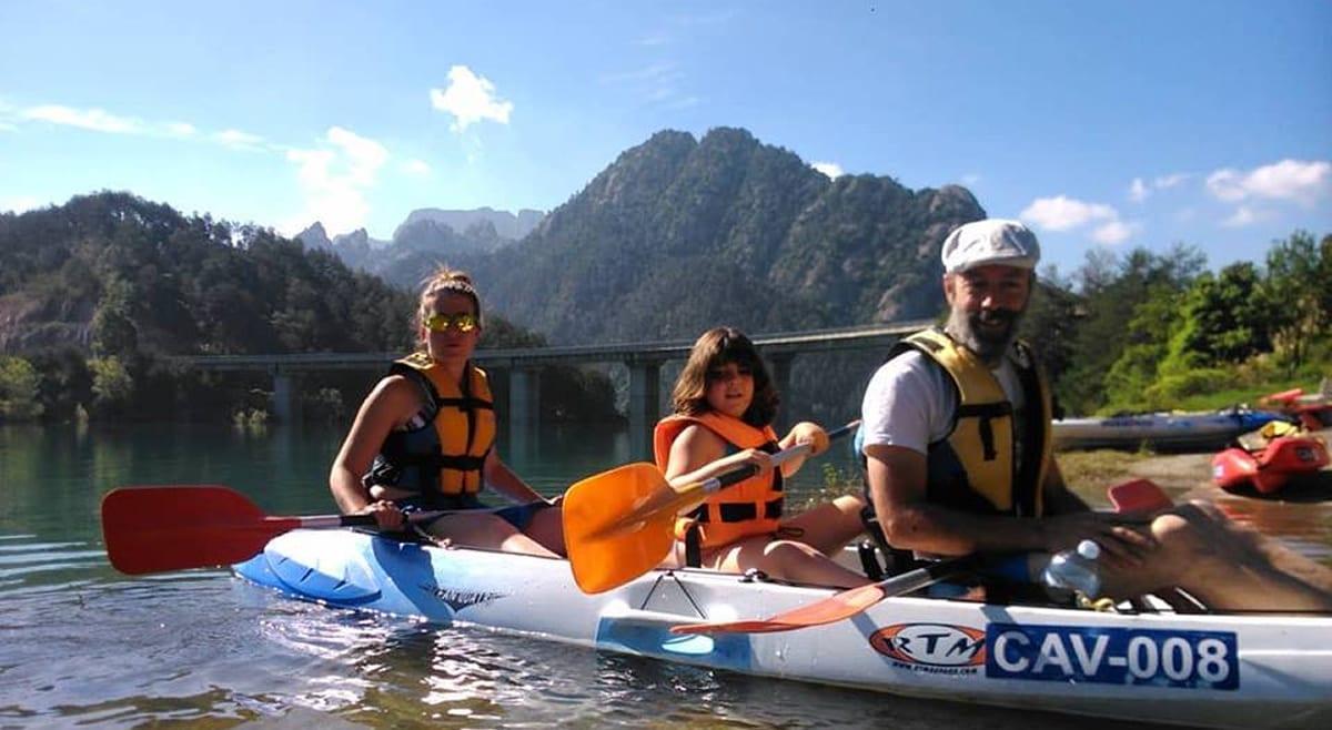 capacidad de un kayak